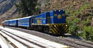 Ollantaytambo train